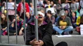 Protesta en la Catedral de Barcelona por el encuentro de la secretaria de Estado de la España Global, Irene Lozano, con cónsules en Barcelona.