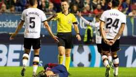 Un momento del partido entre el Osasuna y el Valencia
