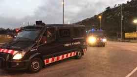 Furgones de los Mossos llegan a La Junquera este lunes a primera hora