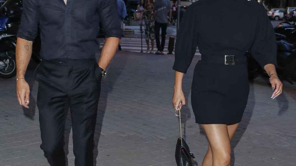 Mario Casas y Blanca Suárez por las calles de Madrid.