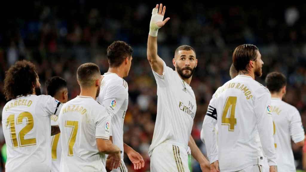 Karim Benzema celebra su gol de penalti al Leganés
