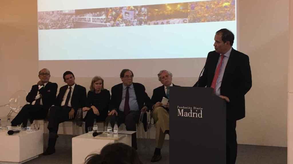 Nicolás Redondo Terreros, Manuel Valls, Elisa de la Nuez, Francesc de Carreras, Miguel Ángel Aguilar y José María Múgica.