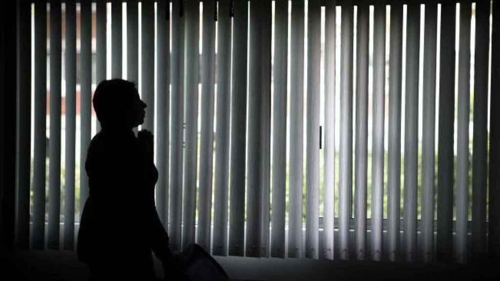 Una joven de 16 años, violada por su profesor, un policía, su abogado y el  médico con el que abortó