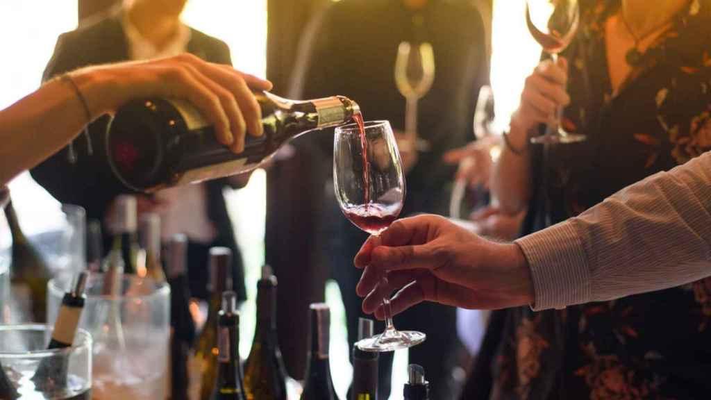 Dentro de la D.O. hay 50 bodegas y 110 marcas de vino.
