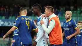 Mario Balotelli sufre insultos racistas