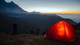La acampada y el senderismo es una opción muy sostenible de turismo.