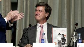 Cayetano Martínez de Irujo ha presentado su libro 'De Cayetana a Cayetano'.