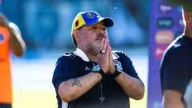 Diego Maradona, dirigiendo a Gimnasia y Esgrima La Plata