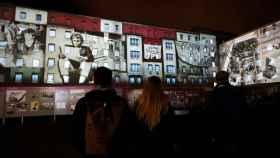 Proyecciones en la antigua sede de la Stasi de Berlín como homenaje a la caída del Muro.