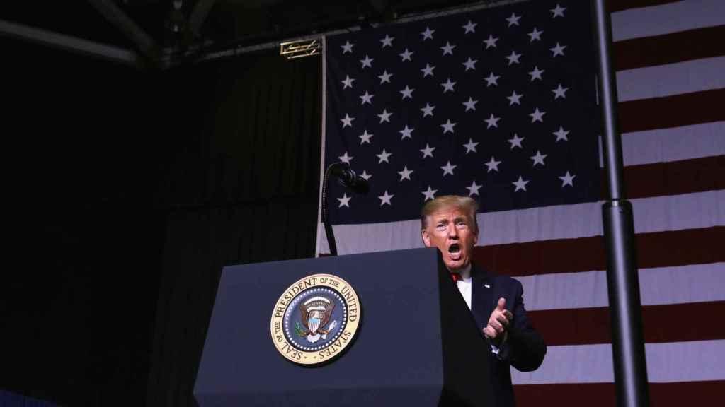 Donald Trump, durante un acto de campaña en Mississippi.