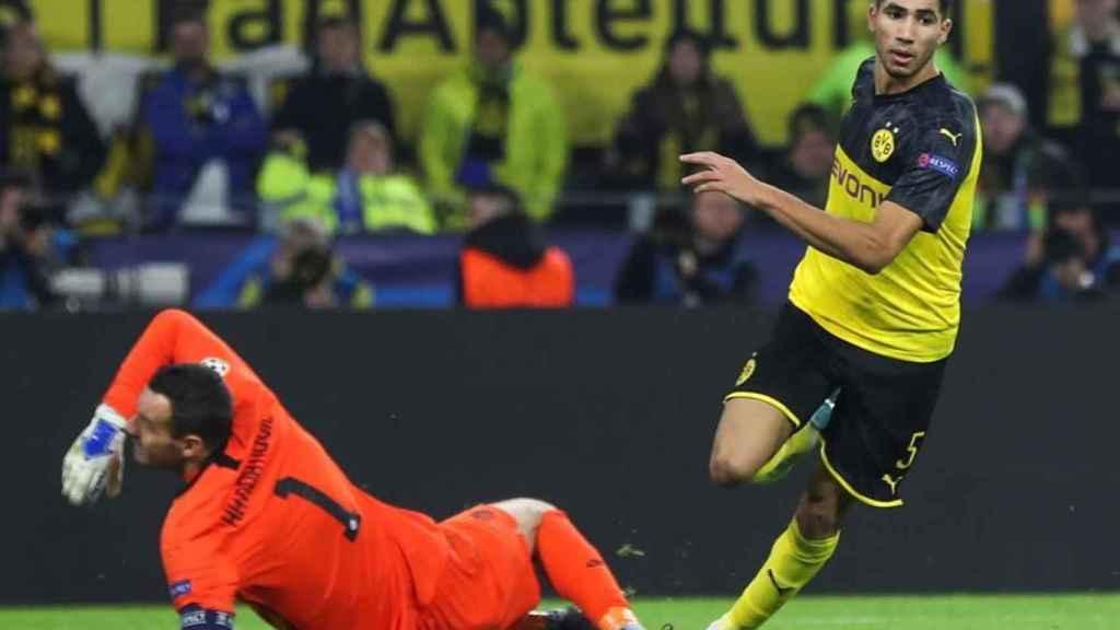Achraf, en un partido del Borussia Dortmund en la Champions League
