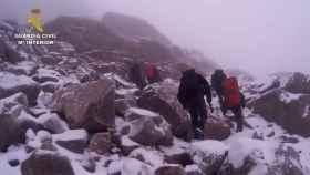 El angustioso rescate de la Guardia Civil del cuerpo de un montañero en la Sierra de Gredos