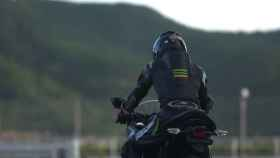 Captura del teaser de la moto.