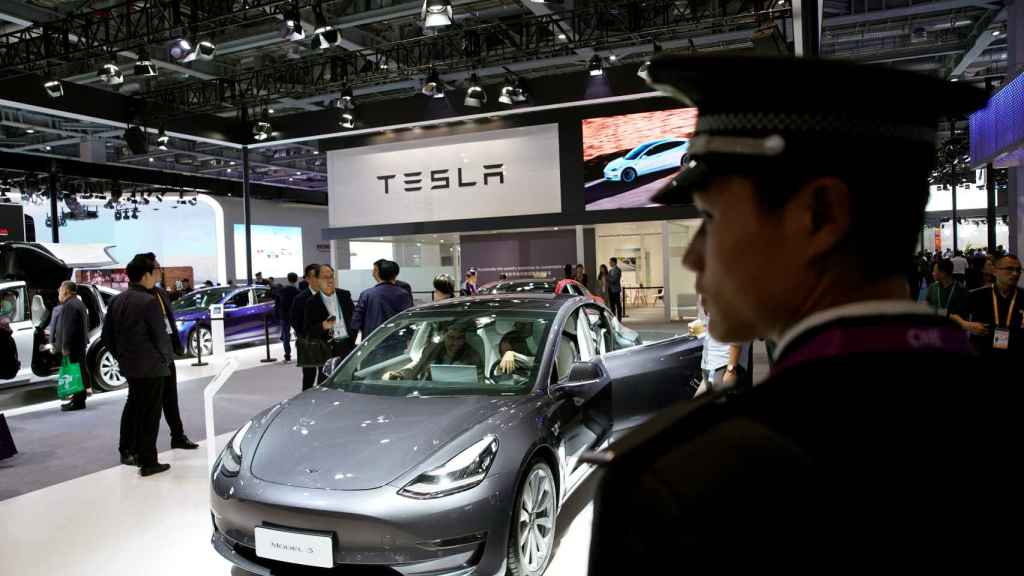Exposición de Tesla en China