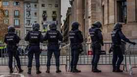 Policías nacionales en Cataluña, en una imagen de archivo.