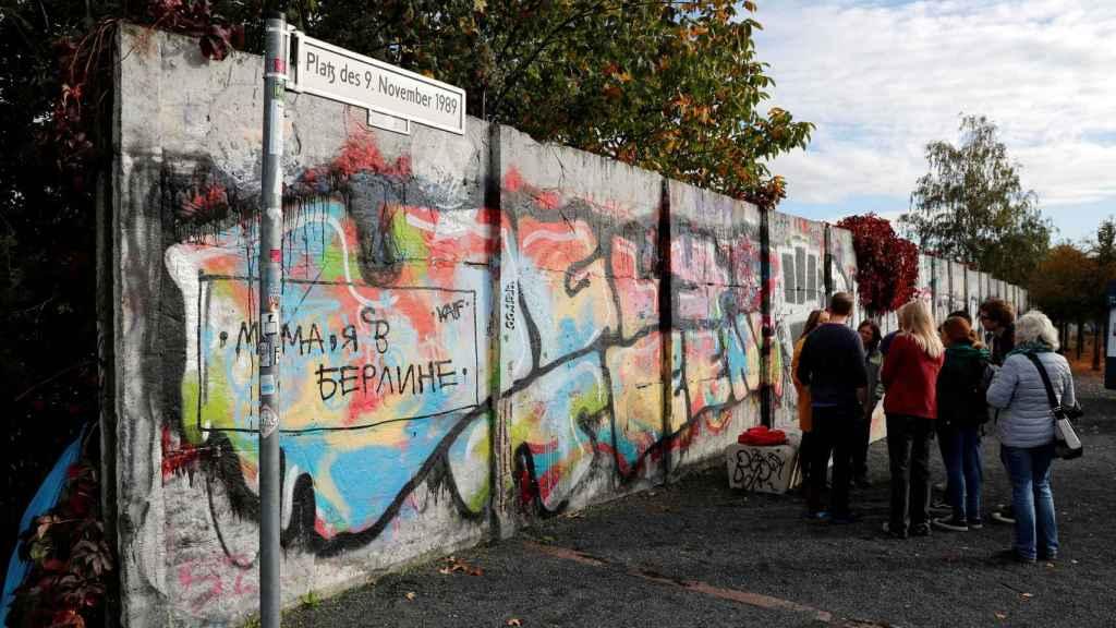 Una parte del muro de Berlín que todavía sigue en pie.