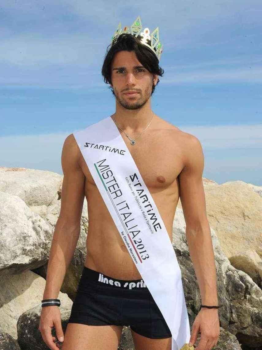 Luca Onestini cuando se alzó con la corona de Mister Italia 2013.
