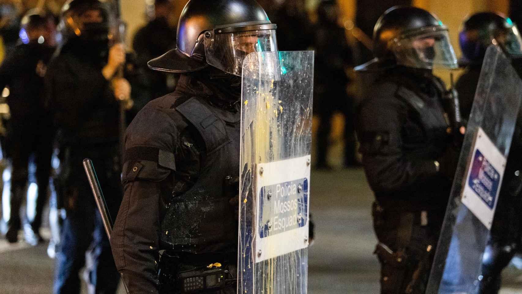 Un agente en Barcelona.
