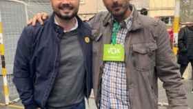 Gabriel Rufián junto a un simpatizante de Vox el 10-N.