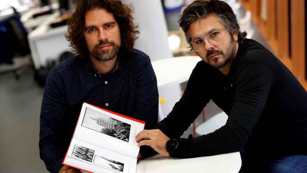 El historiador Arnau González y el fotógrafo David Ramos son los editores del libro de fotos de Campañà.