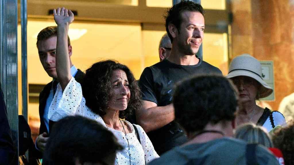 Patricia Ramírez y Ángel Cruz, padres de Gabriel Cruz, en las puertas de la Audiencia de Almería tras conocer la sentencia por la muerte de su hijo.