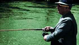 El dictador Franco, durante una de sus habituales jornadas de pesca.