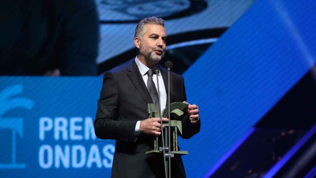 Carlos Alsina recibe su Premio Ondas.