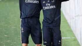 Karim Benzema junto a Vinicius Jr.