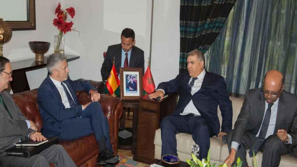 Fernando Grande-Marlaska, reunido en Rabat con su homólogo marroquí Abdelouafi Laftit en 2019.