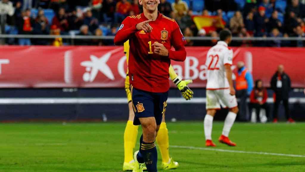 Gerard Moreno celebra su gol con la selección española ante Malta