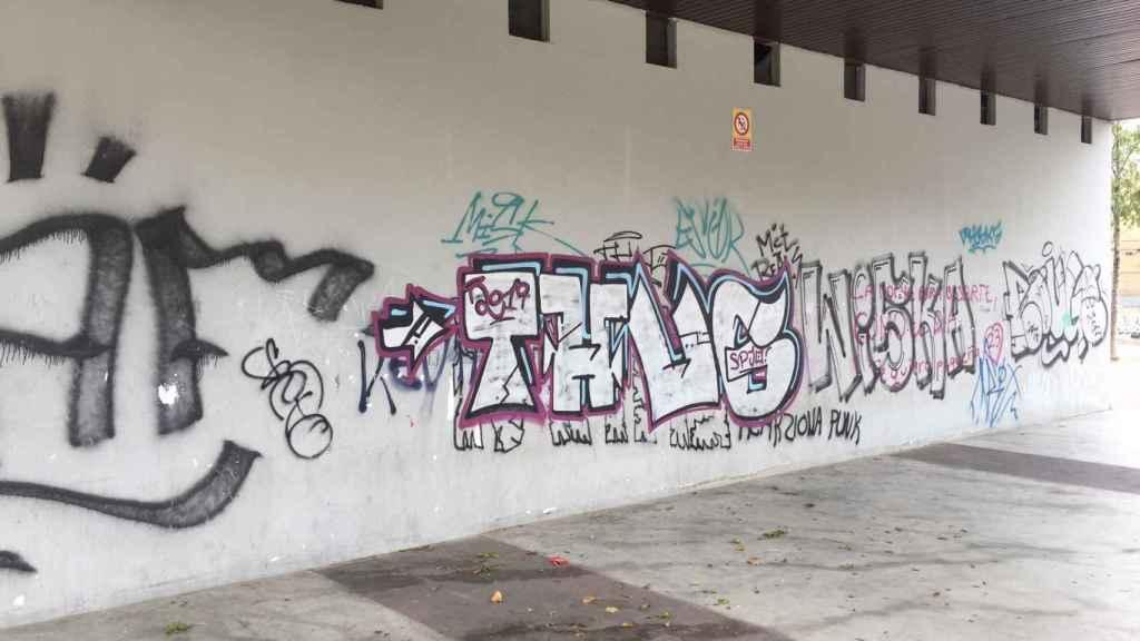 Los vecinos de Torrero se quejan porque les han pintado las fachadas.