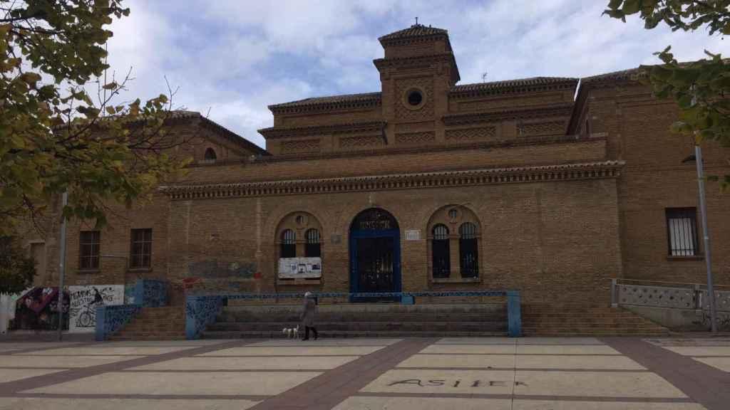 CSO Kike Mur, en el barrio de Torrero; una antigua prisión convertida en centro okupa.