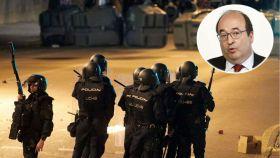 Miquel Iceta (PSC) y policías nacionales en los disturbios de Barcelona tras la sentencia del 'procés'.