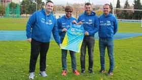 FOTO: Fernando Rey, junto a responsables de Mendinox y Deporchip.