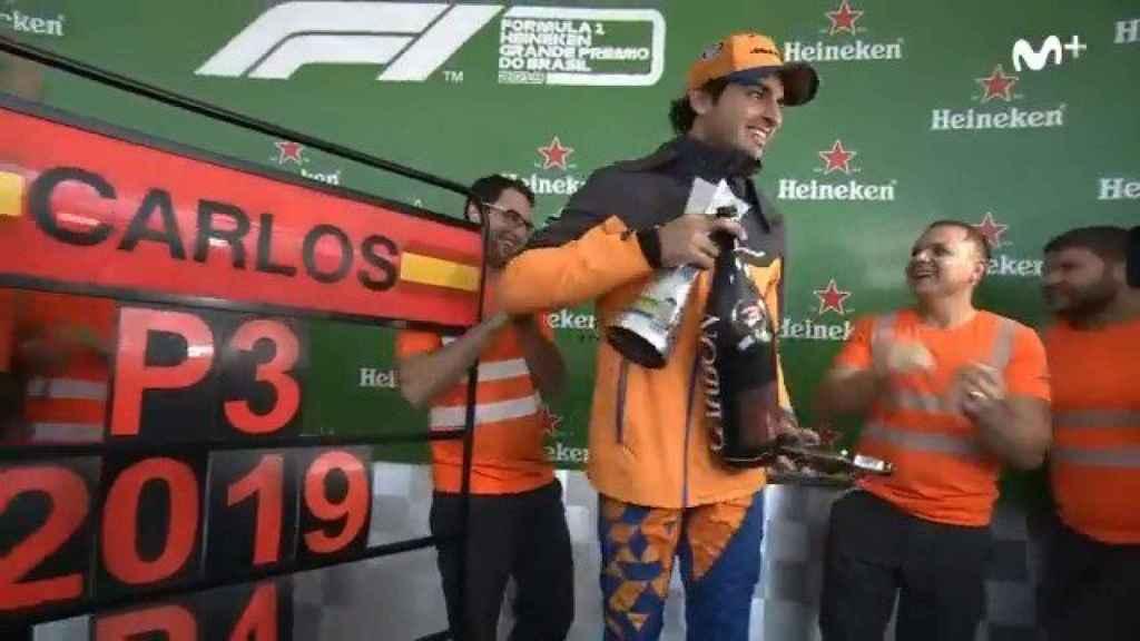 Así fue la extraña celebración de Carlos Sainz de su primer podio