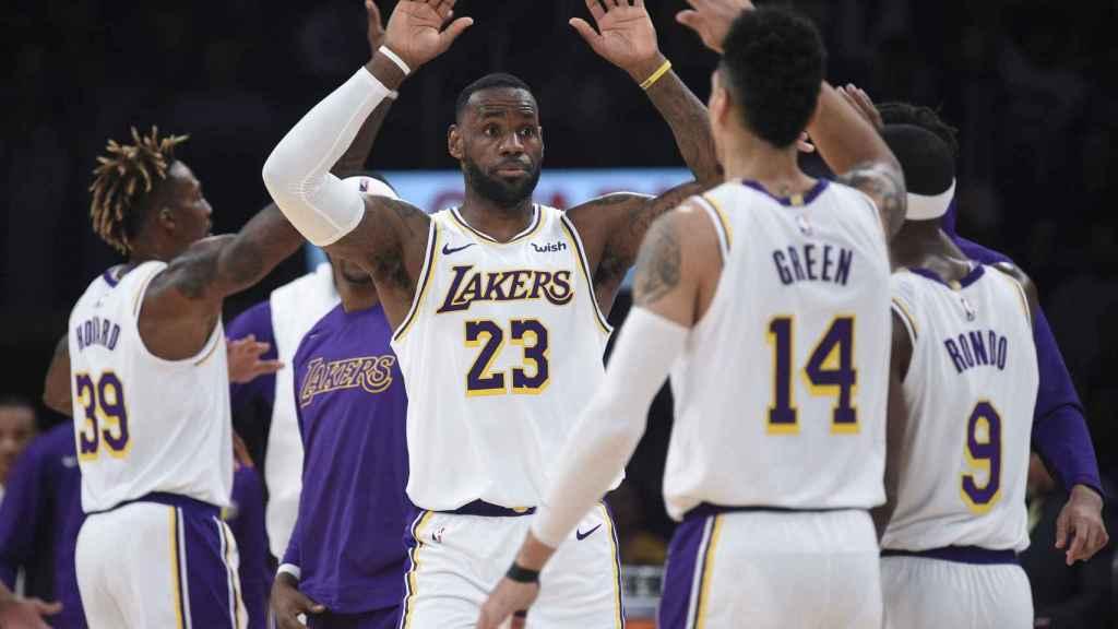 LeBron James, junto a Anthony Davis en los Lakers