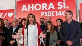 Susana Díaz, tras las elecciones generales del 10 de noviembre, en Sevilla con Espadas (derecha).