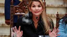 Jeanine Áñez durante una comparecencia desde el palacio presidencial de La Paz