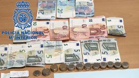 La Policía de Sanlúcar de Barrameda detuvo a la mujer, que fue sorprendida mientras vendía la droga.