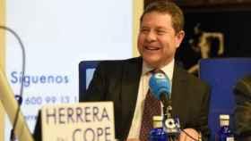 Emiliano García-Page durante una entrevista en la Cadena COPE