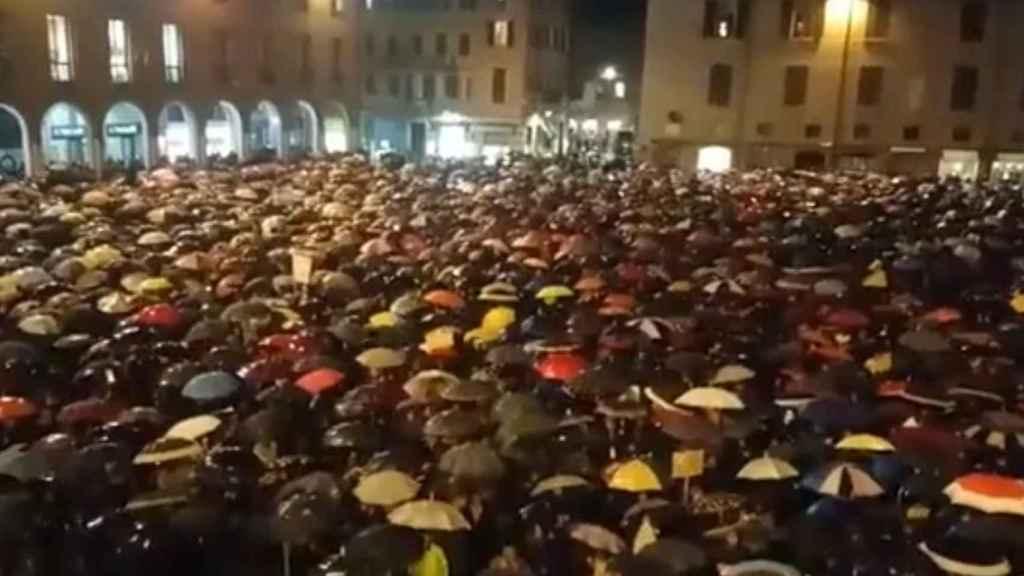 La plaza de Módena en la noche del lunes.