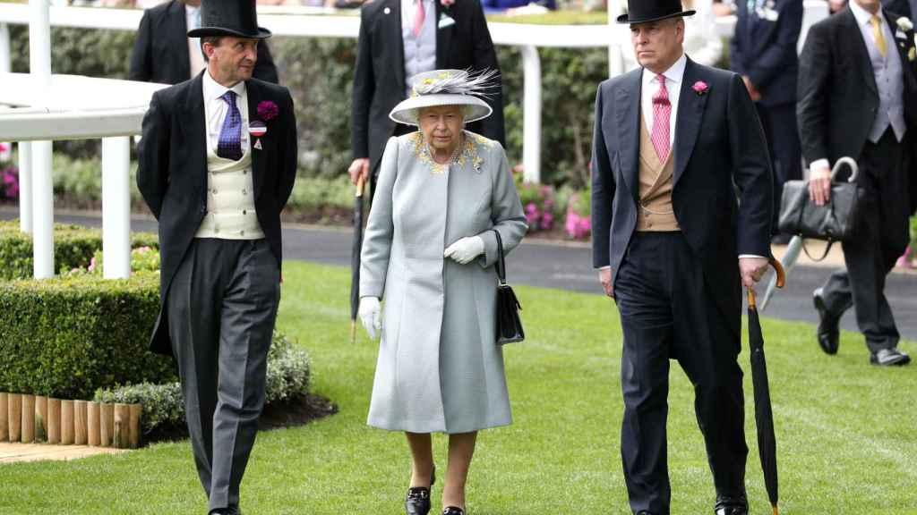 El Palacio de Buckingham ha emitido un comunicado negando las afirmaciones de Virgina Giuffre.