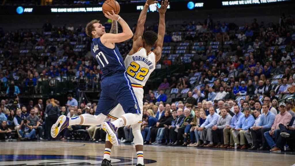 Doncic contra Golden State.