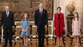El Rey Felipe junto a Don Juan Carlos, la reina Letizia y las infantas Leonor y Sofía