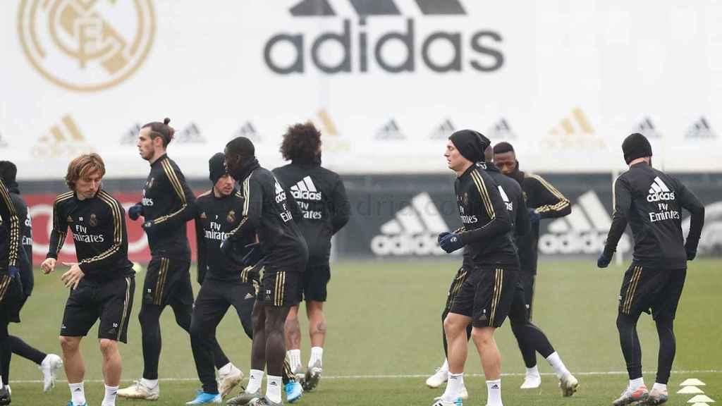 Los jugadores del Real Madrid se entrenan en Valdebebas.