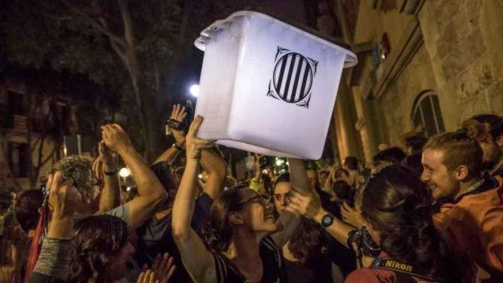 Urna utilizada en el referéndum ilegal del 1 de octubre de 2017
