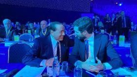 Silvio Berlusconi y Pablo Casado en el Congreso del PPE en Zagreb.