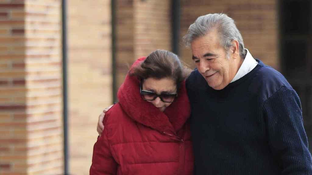 Los hijos de Asunción Balaguer se han emocionado en la despedida de su madre.