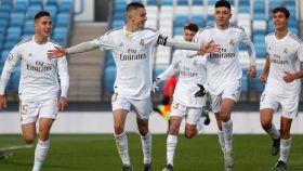 Fidalgo celebra su gol con el Castilla ante el Oviedo B