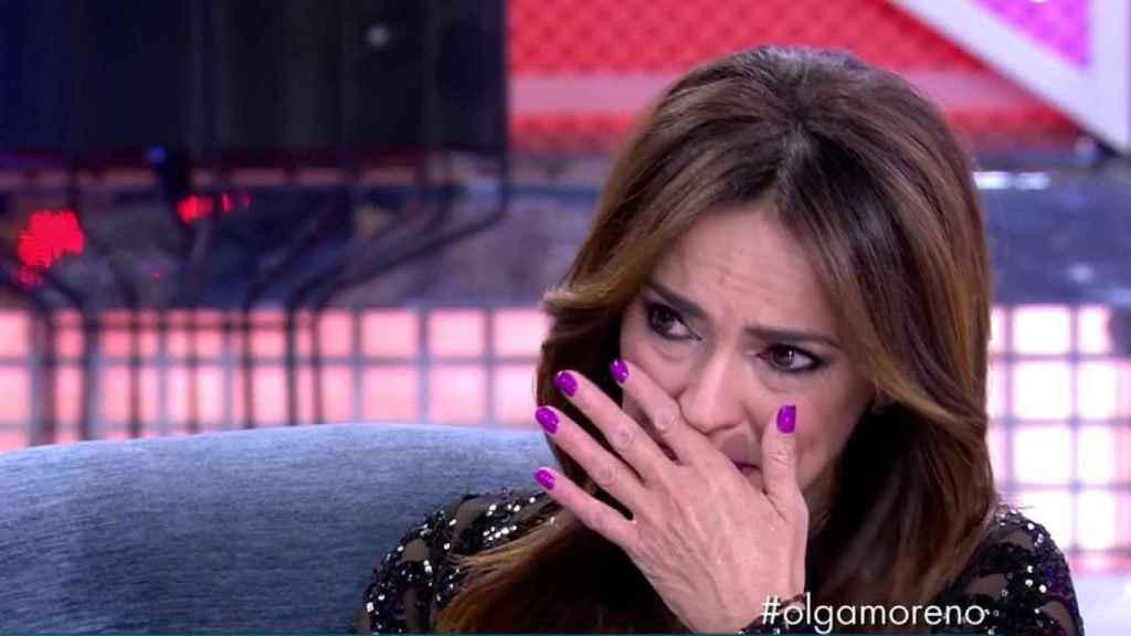 Olga Moreno ha asegurado que las demandas de Rocío Carrasco les han hecho la vida muy difícil.